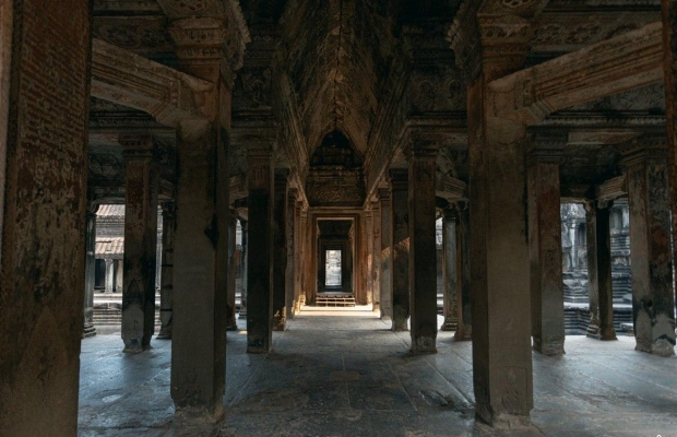 Angkor temples small group tour